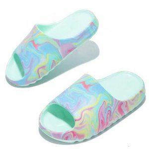 Lounge Slide Sandals in Swirl Mint